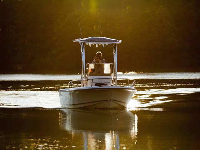 2002 Triton Sea Hunt boat t-tops