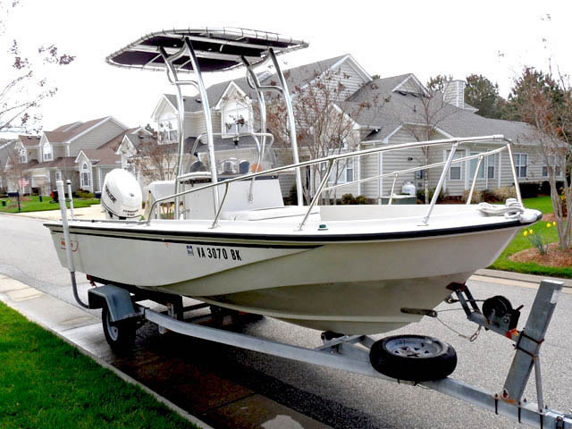 Boston Whaler boat ttop