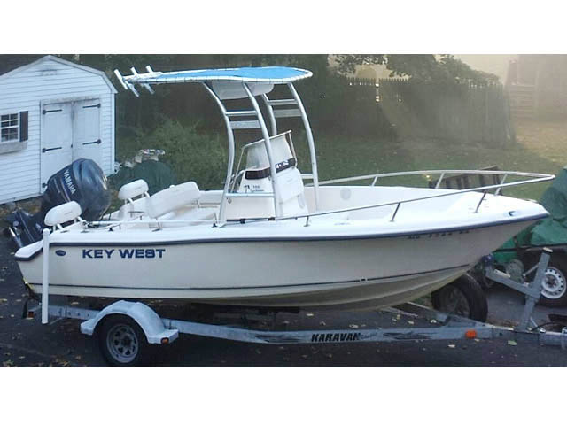 2005 Key West 186 CC boat t-tops