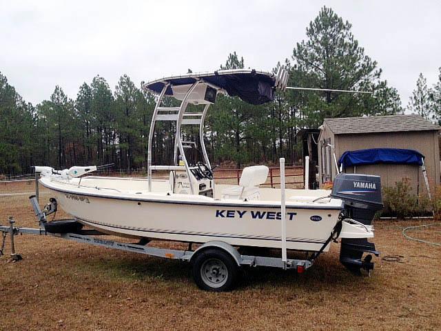 2004 Key West 1720 boat t-tops