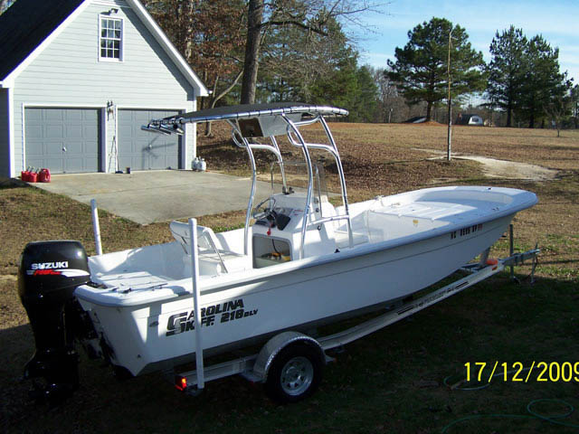 2009 Carolina Skiff DLV boat t-tops