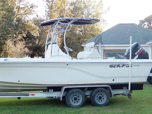 Sea Fox 245 Bay Fish boat t-tops