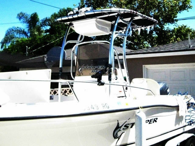2005 Seaswirl Striper 1851 Center console boat t-tops