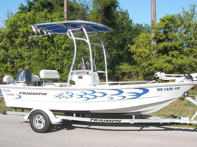 2007 Triumph Center Console boat t-tops