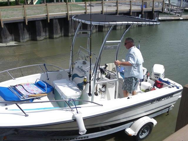 Sunbird 180 Neptune boat t-tops