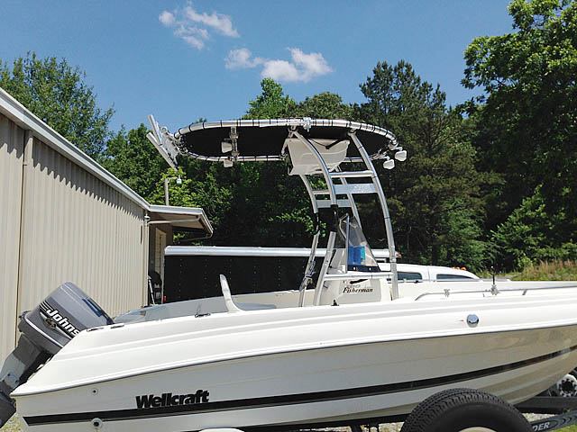 2000 Wellcraft 180 Fisherman boat t-tops