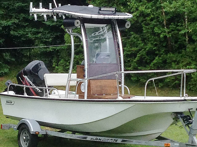 1979 Boston Whaler Montauk 17' boat t-tops