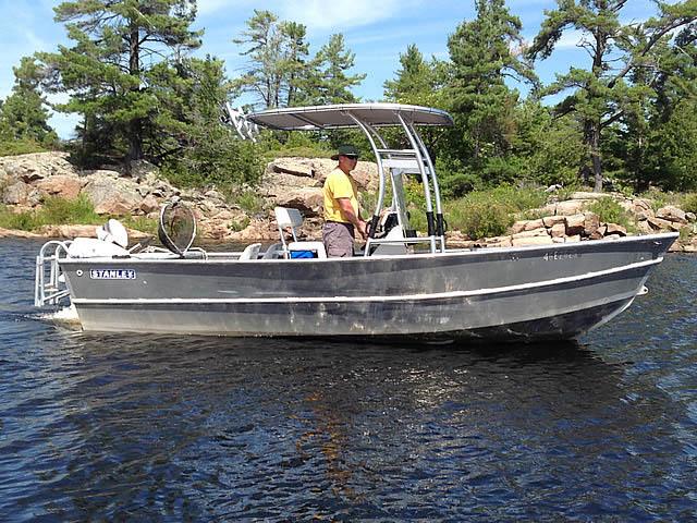 1984 Stanley 18 ft boat t-tops