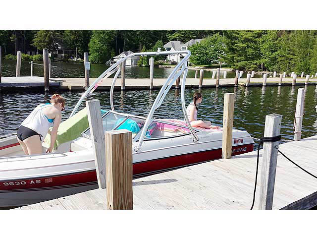 Ascent Tower wakeboard tower installed on 1994 Four Winns 180 Horizon SE (19') boat
