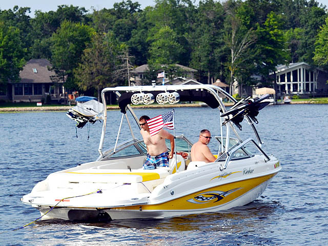 Airborne Tower wakeboard tower installed on 2004 Rinker Captiva 212 boat