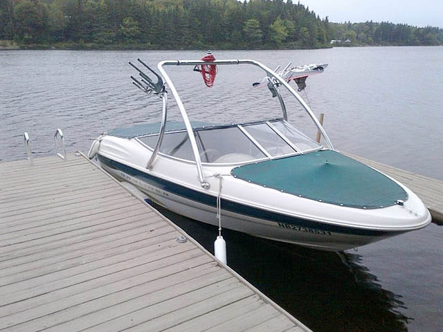 Wakeboard Tower for 2000 Bayliner 1850 Capri LX installed on 04/30/2013