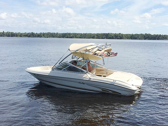 Wakeboard Tower for 2001 Sea Ray 185 Sport  installed on 09/30/2014