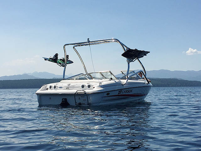 Airborne Tower wakeboard tower installed on 2005 Larson 180 SEi boat
