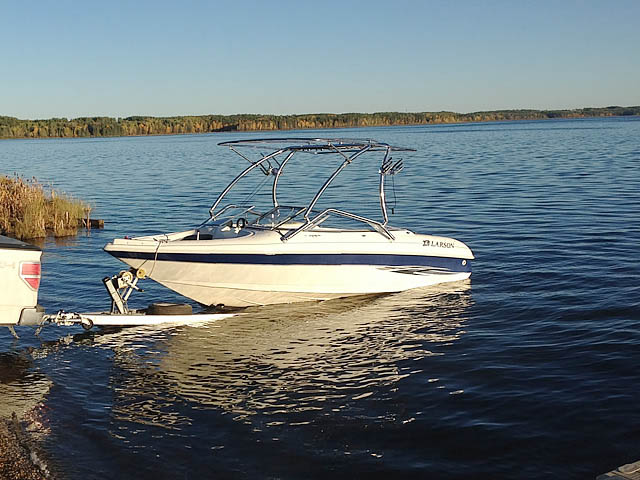 Airborne Tower with Eclipse Bimini wakeboard tower installed on 2000 Larson SEI boat