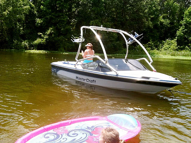 Wakeboard Tower for 1988 Mastercraft Prostar 190 installed on 09/18/2015
