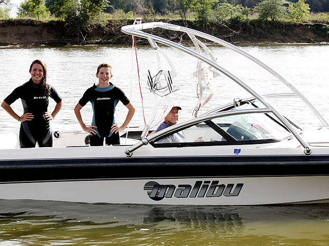 Assault Tower wakeboard tower installed on Malibu Sunsetter 1996 boat