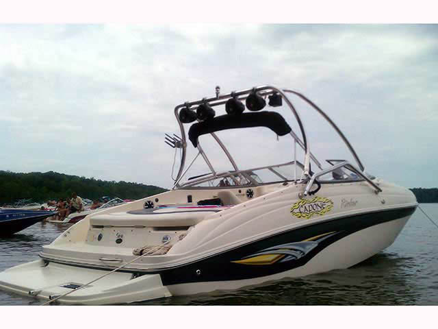 Airborne Tower wakeboard tower installed on 2004 Rinker Captiva 232 boat