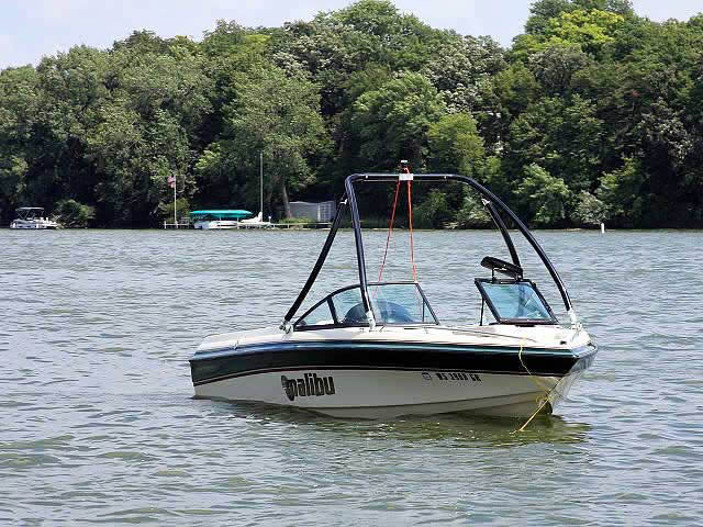 Ascent Tower wakeboard tower installed on 1999 Malibu Sunsetter boat