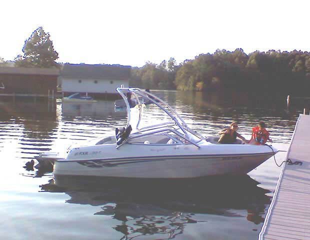 Airborne Tower wakeboard tower installed on 2000 Four Winns Horizon boat