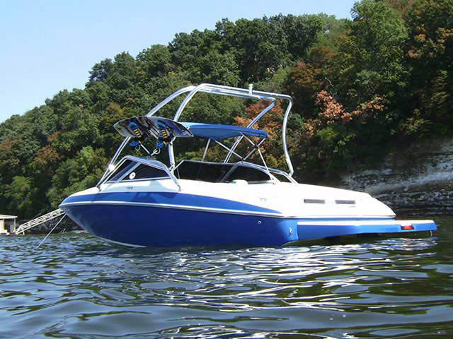 Airborne Tower wakeboard tower installed on 2005 VIP Vantage 202 boat