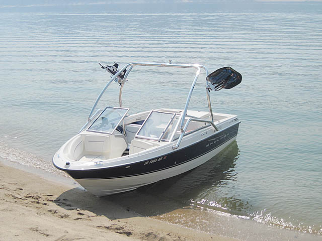 Wakeboard Tower for 2008 Bayliner Discovery 195 installed on 09/10/2014