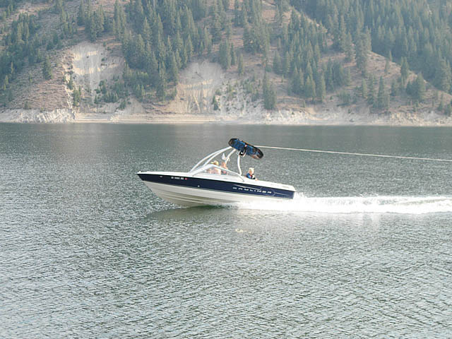 Airborne Tower wakeboard tower installed on 2008 Bayliner Discovery 195 boat