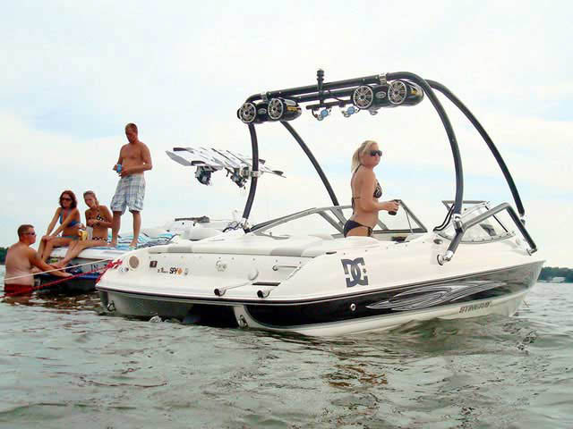 Airborne Tower wakeboard tower installed on Stingray 2007 185lx boat