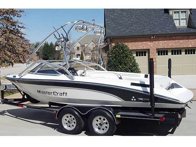 Wakeboard Tower for 1989 Mastercraft TriStar 190 installed on 06/11/2013