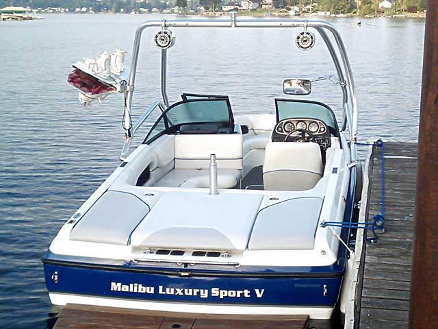 Airborne Tower wakeboard tower installed on 2001 Malibu Sunsetter VLX boat