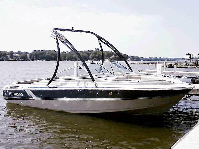 Wakeboard Tower for 86 Larson 17.5 Citation installed on 01/18/2015