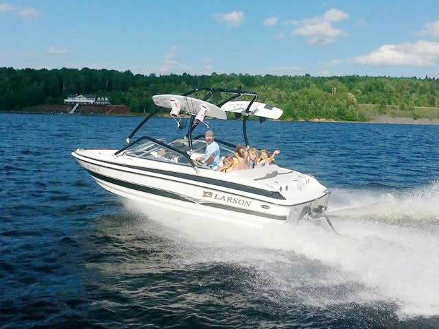 Airborne Tower wakeboard tower installed on 2004 Larson SEi 180 boat