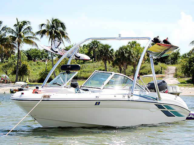 Wakeboard Tower for 1998 Sea Ray 180 Bow Rider installed on 09/01/2013