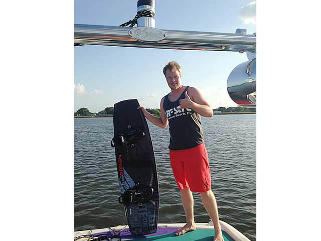Ascent Tower wakeboard tower installed on 2005 Bayliner Bowrider 185 boat