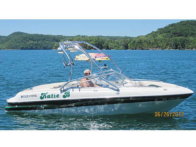Wakeboard Tower for 1996 Four Winns 200 Horizon installed on 07/09/2014