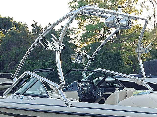 Airborne Tower wakeboard tower installed on 1998, Sanger, dlx boat
