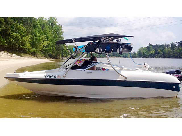 Ascent Tower with Eclipse Bimini wakeboard tower installed on 1999 Larson 185 boat