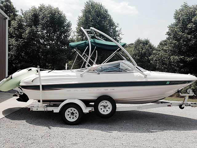 Airborne Tower wakeboard tower installed on 2000 Bayliner Capri 1850 LX boat